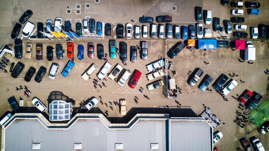 Landlords look to the parking lot for new revenue 2